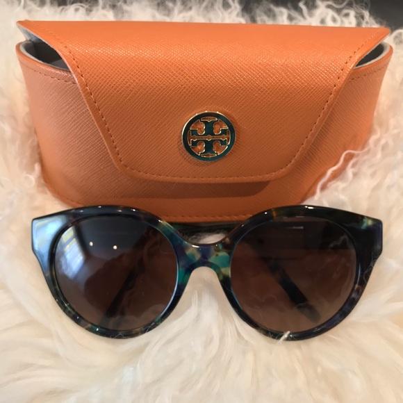 d4752841c952 Tory Burch Accessories | Bluebrowntort Polarized Sunglasses | Poshmark